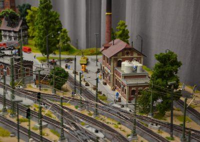 """Plastico Ferroviario """"Un villaggio pieno di vita"""""""